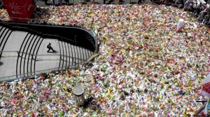 Floral tributes for victims of the Lindt Chocolate Cafe siege in Martin Place in Sydney, December 18, 2014. [702 ABC Sydney: John Donegan]